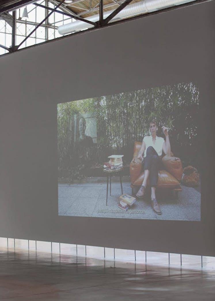 """Katia KAMELI, """"Stream of Stories (chapter 5)"""", 2018. Exposition La Colère de Ludd, BPS22, 2020. Photo : Leslie Artamonow"""