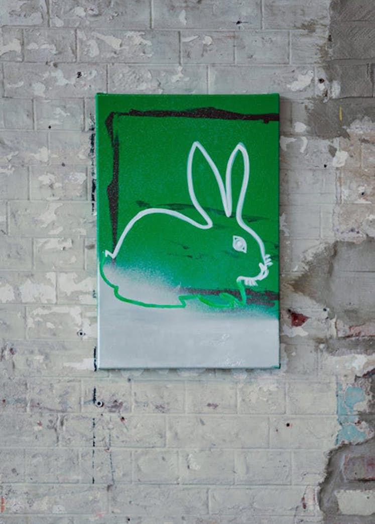 "Camila Oliveira Fairclough, ""Lapin (vert)"", 2018. Exposition La Colère de Ludd, BPS22, 2020. Photo : Leslie Artamonow"