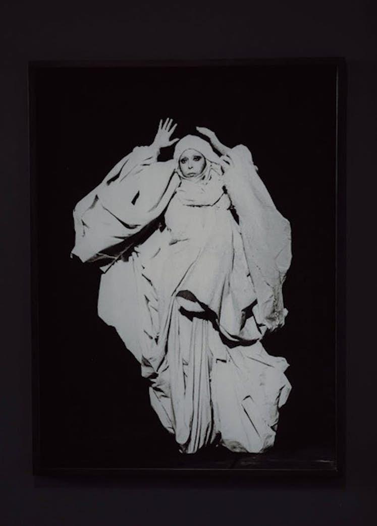 "ORLAN, ""Documentary Study, The Draped the Baroque n°20"", 1978/ Exposition La Colère de Ludd, BPS22, 2020. Photo : Leslie Artamonow"