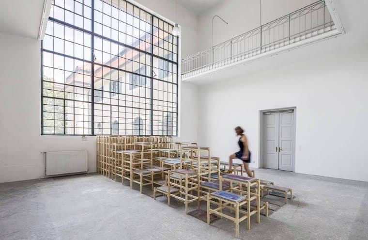 Sur la pointe des pieds 2019 Academy for Fine Arts Vienna Pauline Debrichy Photo Leonhard Hilzensauer light